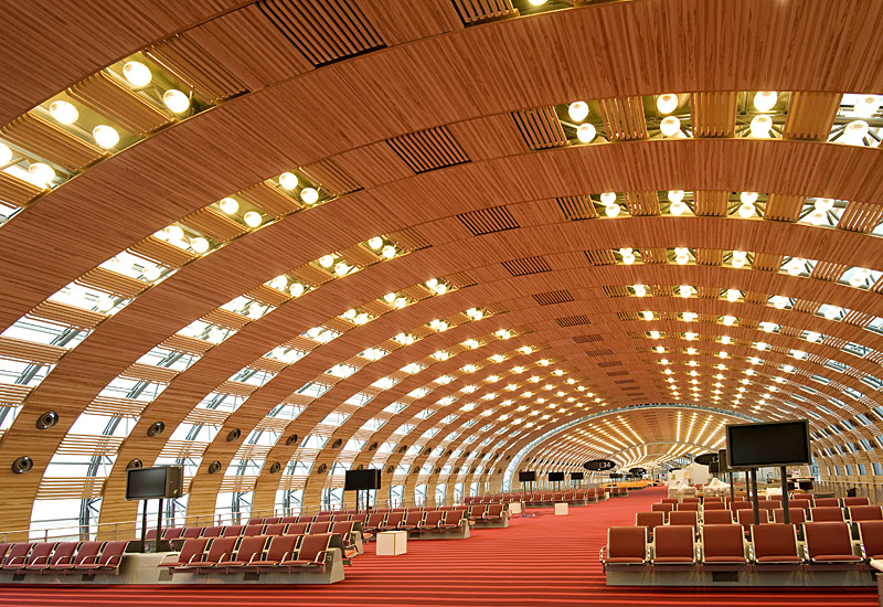 The Finnish forest sector has the skills to build high-quality wooden buildings. Unfortunately, so far they have been built in countries other than Finland. The photo shows one of the terminals at the Charles de Gaulle Airport in France.