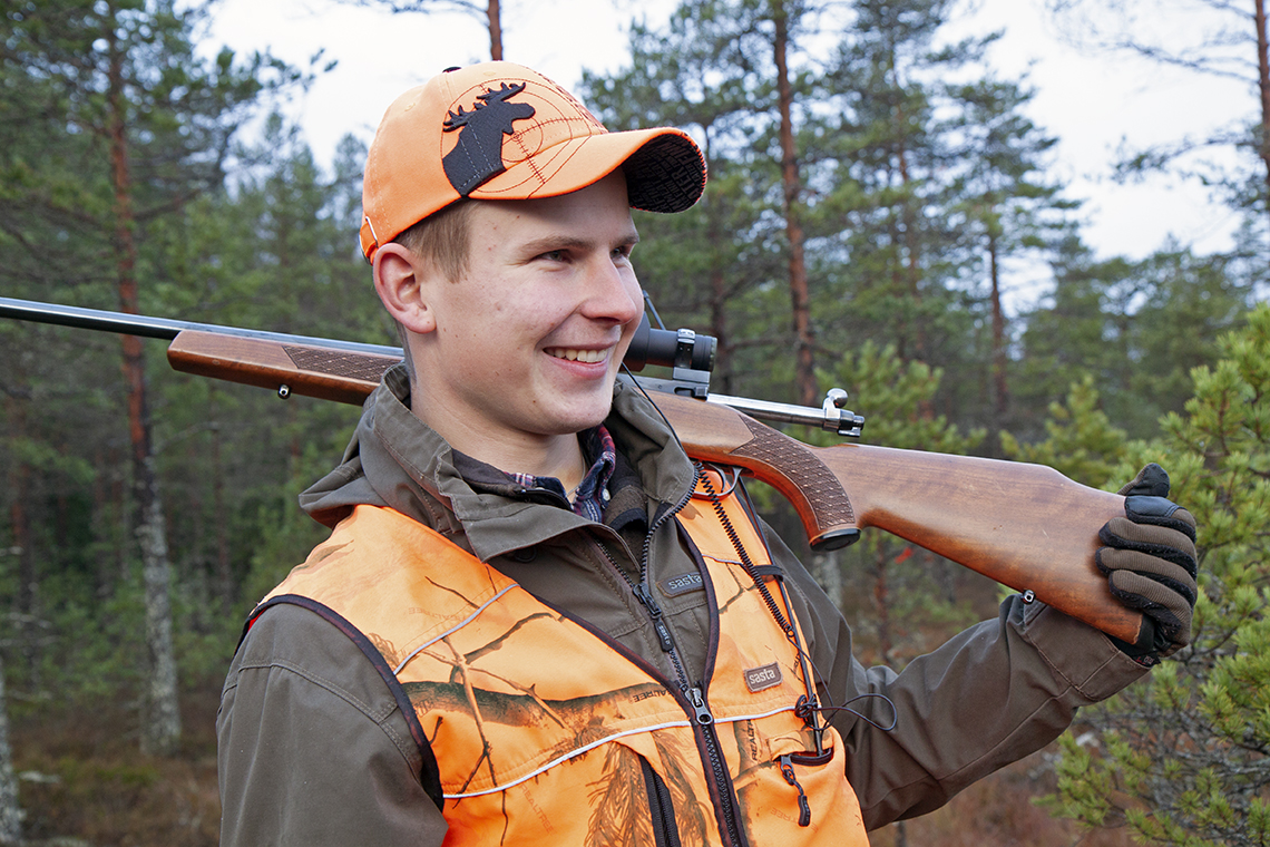 """Younger hunters prefer game birds to elk,"" says Perttu Valonen, who keeps in touch with other young hunters over a WhatsApp group. According to the Finnish Wildlife Agency, the average age of elk-hunters is over 50 years. Photo: Anna Kauppi"