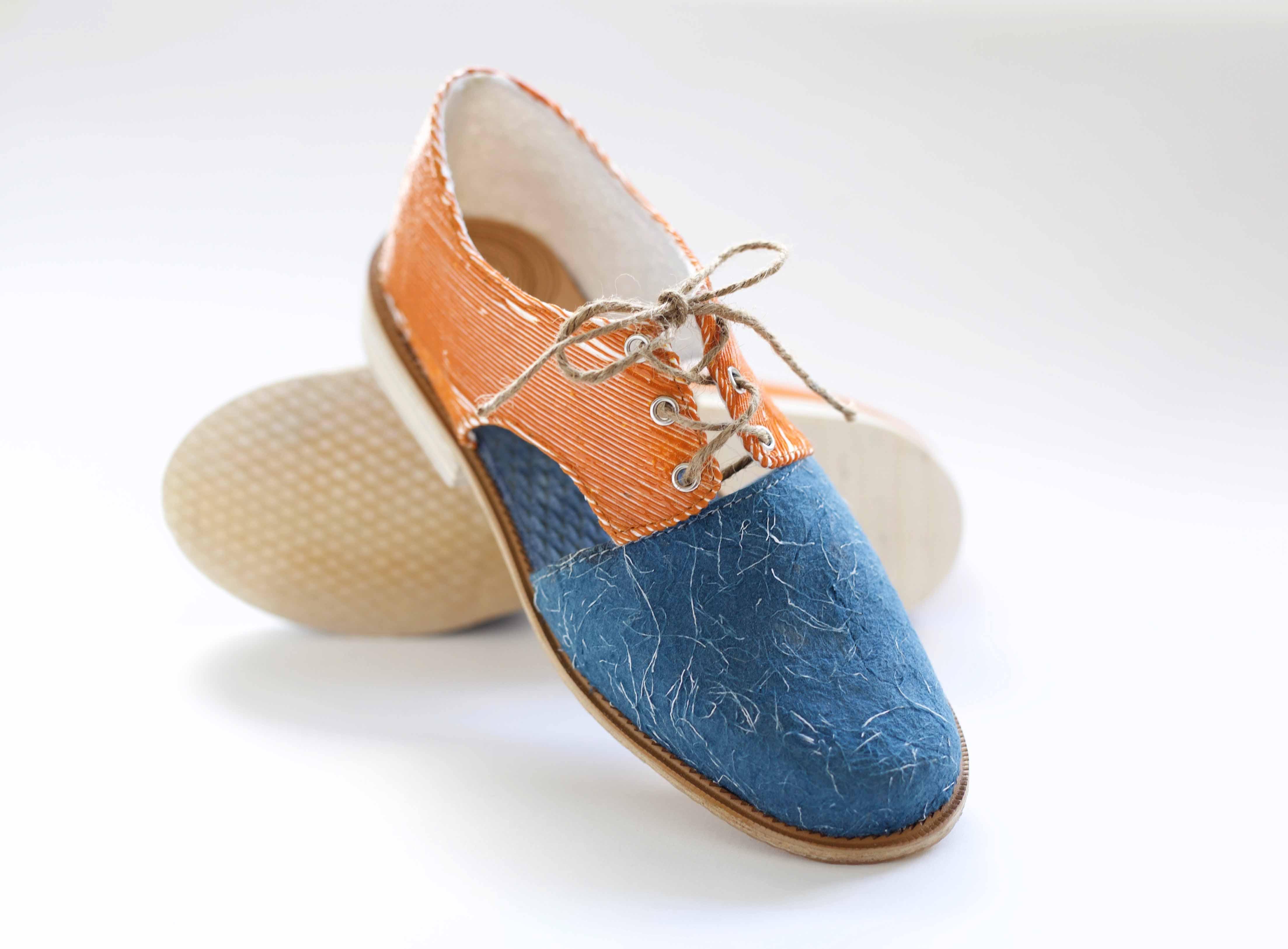 Selluloosapohjaiset kengät. Kuva: Saara Kinnunen
