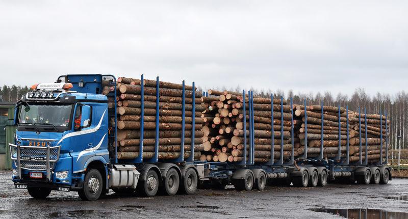Timber lorry. Photo: Stora Enso